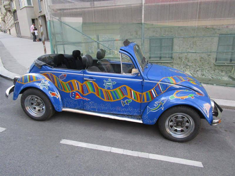 volkswagen k fer cabrio blau zu mieten in wien. Black Bedroom Furniture Sets. Home Design Ideas